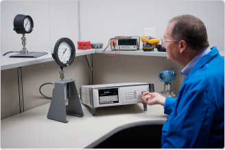 Controlador/calibrador de alta presión 8370A y sistema de prevención de contamin
